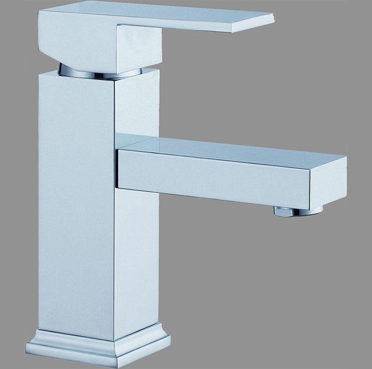 Quatro mixer bath tap set eurotrend for Eurotrend bathrooms