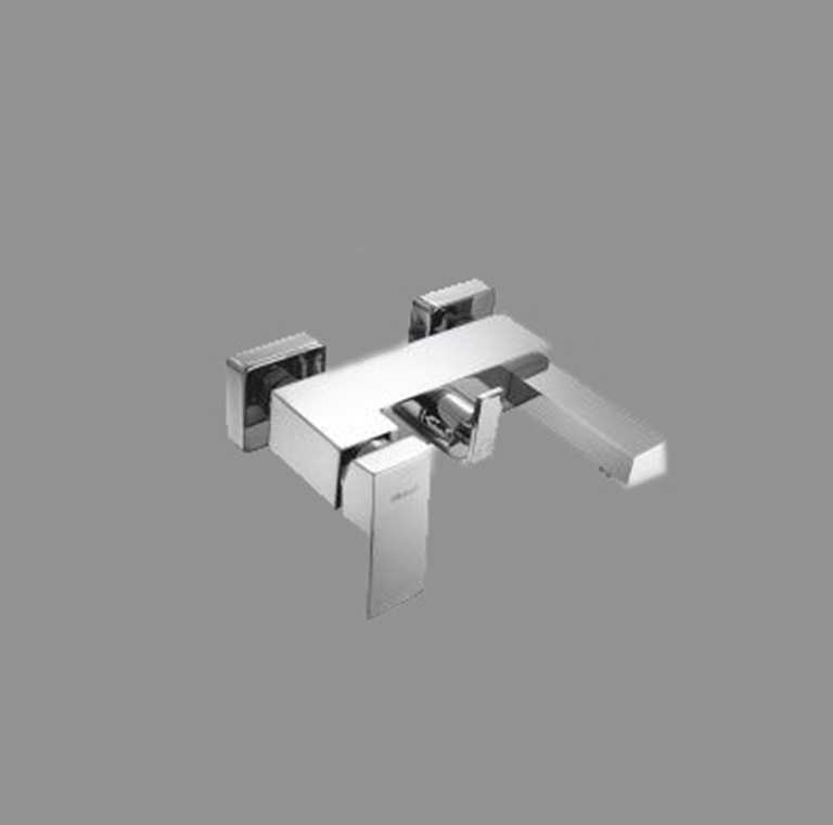 Quatro mixer bath mixer eurotrend for Eurotrend bathrooms