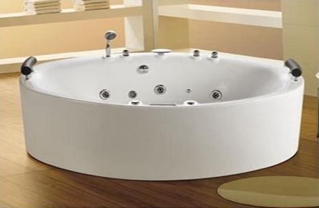 Aquarius hydro jacuzzi freestanding bath eurotrend for Eurotrend bathrooms